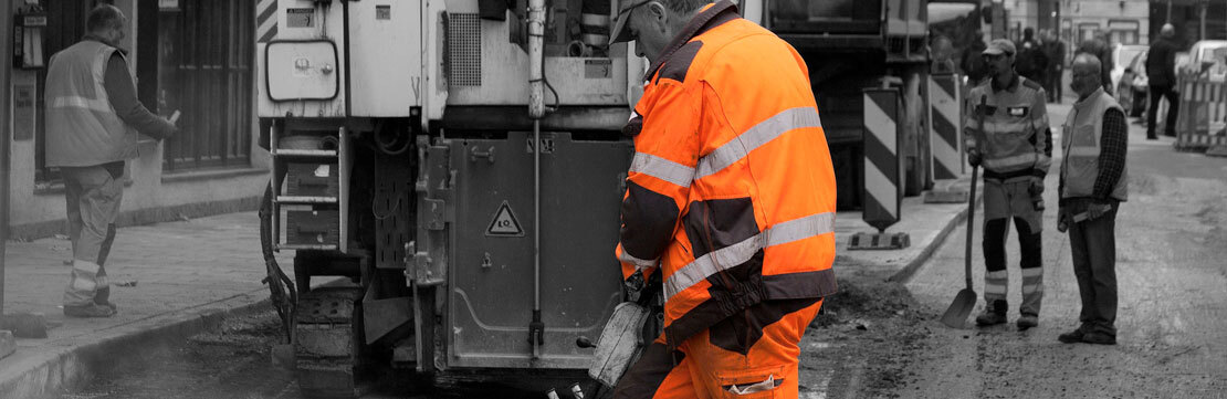 We ensure your workers are protected with garments that follow stringent on-site safety regulations